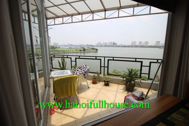 APARTMENT WITH WEST LAKE VIEW IN TO NGOC VAN STREET, TAY HO DIST FOR RENT