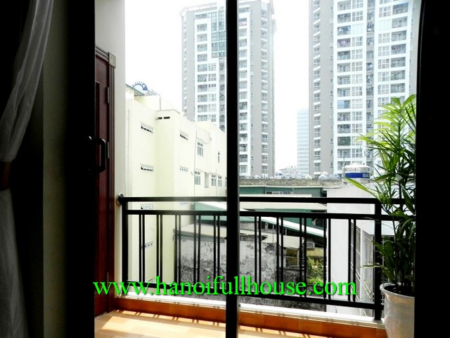 DONG DA APARTMENT, TWO BEDROOM, NEWLY FURNISHED, LIFT NEARBY SHOPS