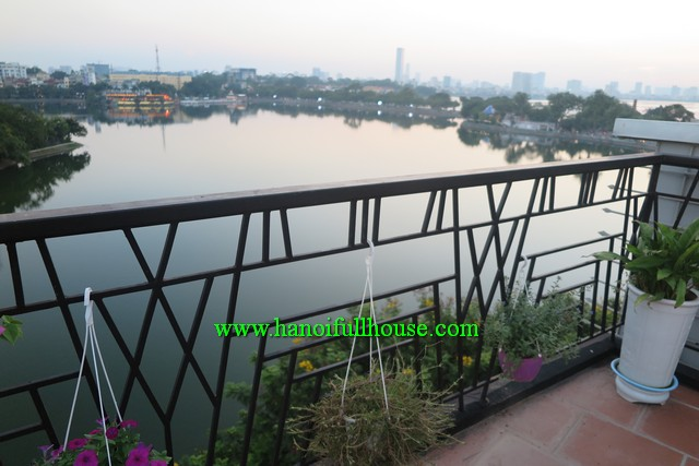 BEAUTIFUL STUDIO APARTMENT IN TRUC BACH LAKE, WONDERFUL BALCONY, NICE TERRACE AND GREAT VIEW