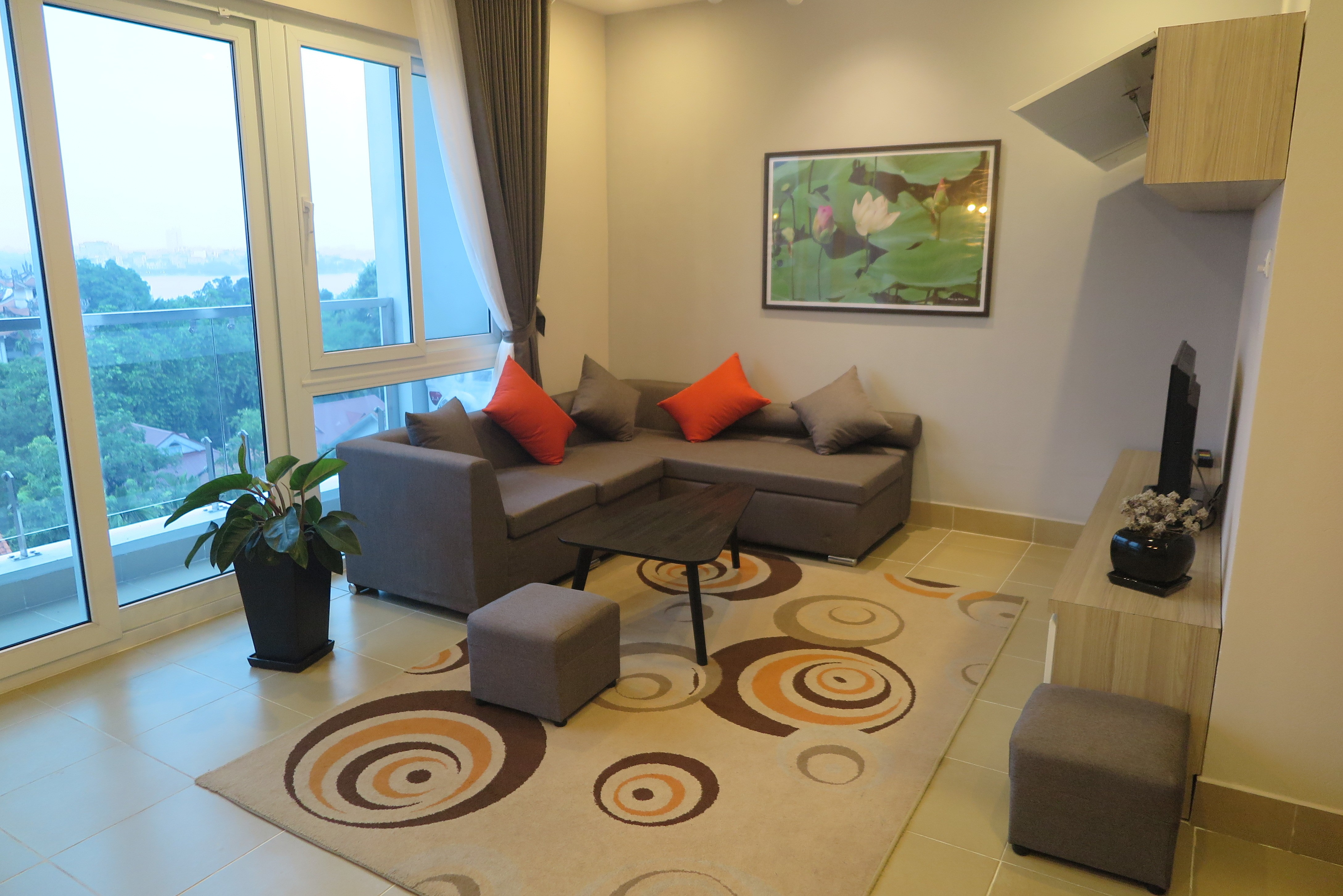 WONDERFUL VIEW, GARDEN AND LAKE VIEW 2 BEDROOM APARTMENT IN TAY HO, HA NOI