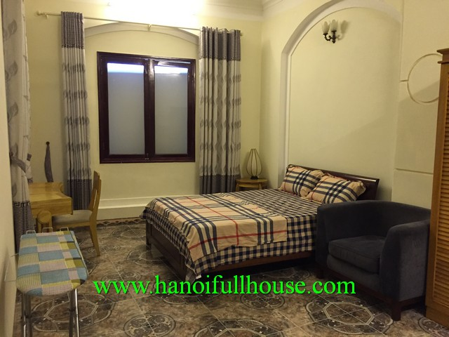 LARGE SERVICED APARTMENT IN TRUC BACH LAKE, BA DINH FOR RENT