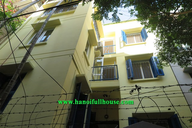 BA DINH HOUSING AGENCY, NICE THREE BEDROOM HOUSE WITH FULLY FURNISHED FOR RENT