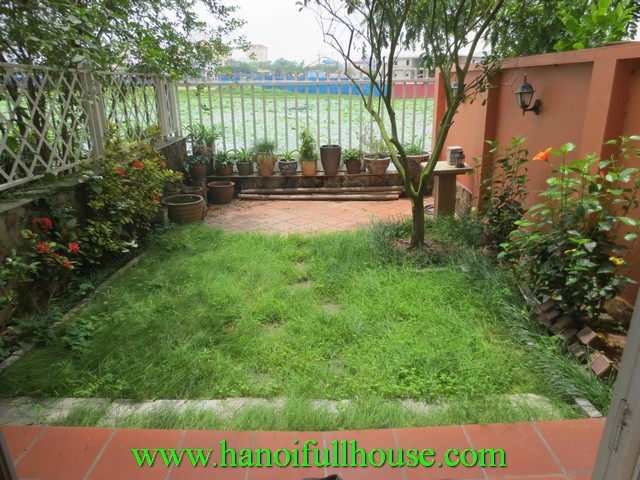 GARDEN HOUSE FOR RENT IN TAY HO DIST. 5 BEDROOM, WOODEN FLOOR, GARAGE, MODERN KITCHEN