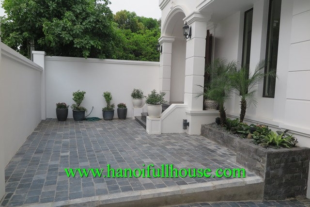 APARTMENT IN TAY HO DIST, HA NOI FOR RENT