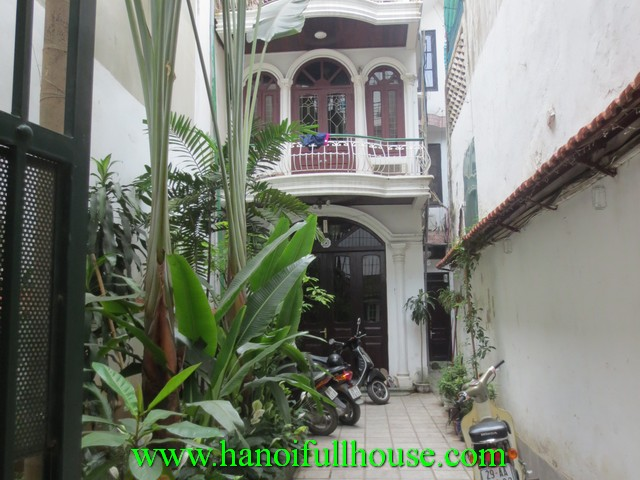 3 BEDROOM GARDEN HOUSE FOR RENT IN HAI BA TRUNG DIST, HA NOI