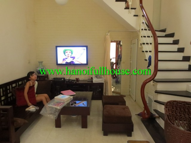 MODERN HOUSE NEARBY WEST LAKE FOR RENT. 2 BEDROOMS, 2 BATHROOMS, FULLY FURNISHED