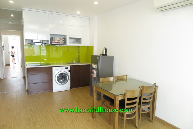 NICE AND CLEAN ONE-BEDROOM SERVICED APARTMENT ON AU CO, TAY HO FOR RENT