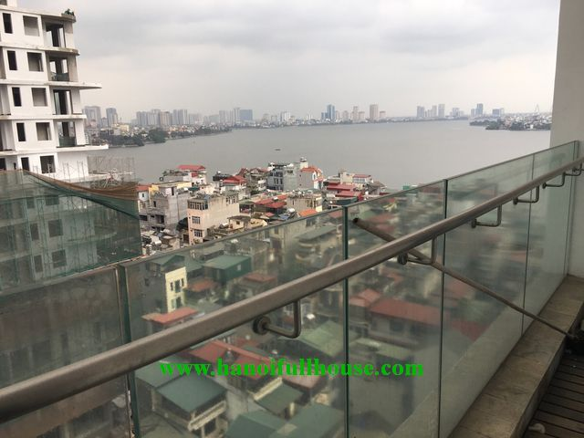Luxurious apartment with 3 bedrooms for rent in Golden Westlake