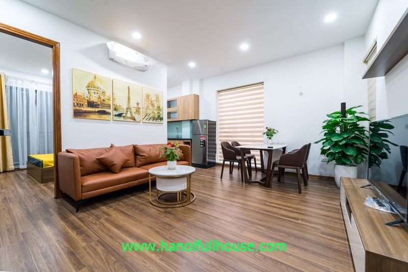 2-bedroom apartment on Ton Duc Thang street, closed Temple of Literature for rent.