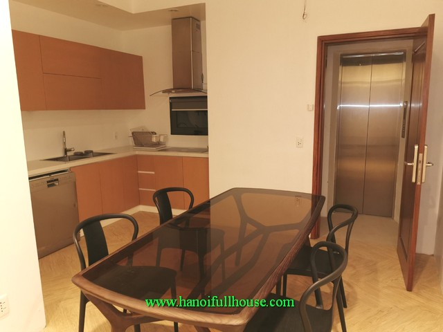 a very cheap serviced apartment in Ngoc Thuy street, Long Bien district to lease