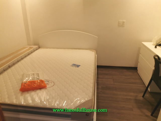 super-cheap serviced apartment in Ngoc Thuy street, 1 bedroom, a lift, motorbike parking
