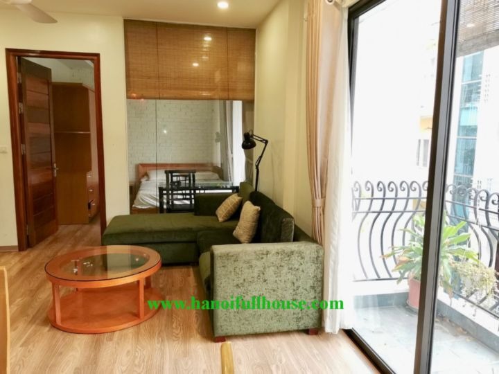 Beautiful apartment on Vong Thi street, 1 bedroom with nice balcony, close to the Lake