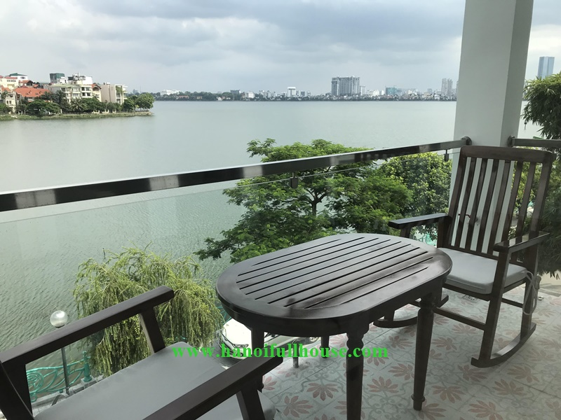 Luxury West lake view apartment with 02 bedrooms, 02 bathrooms in Hanoi