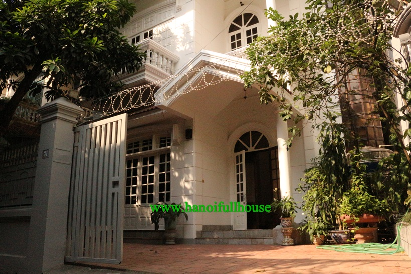 A house 04 bedrooms ,large garden in To Ngoc Van for rent