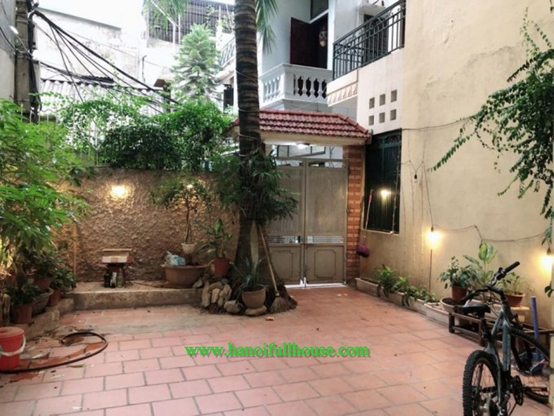 Cheap house with four bedrooms, fully furnished in Hai Ba Trung for rent