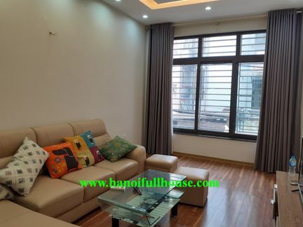 5 bedroom house for rent in Lac Long Quan, near West Lake, fully furnished, lots of light.