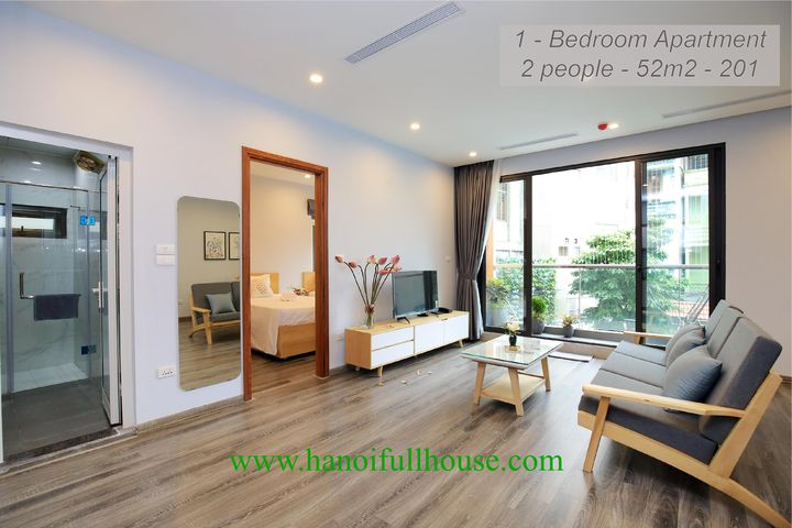One bedroom apartment with full of light,full service in Ba Dinh center