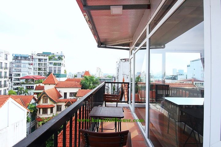 Apartment on high floor, big balcony, many big glass window surround