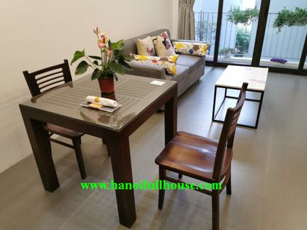 New apartment on To Ngoc Van street, only 5 mins to go to the West lake.