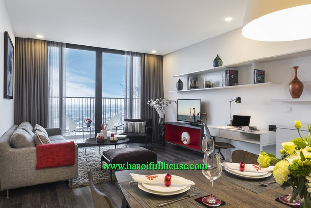 Luxury fully furnished apartment-2 bedroom in Somerset West Point Ha Noi for lease