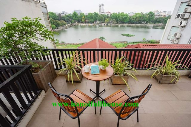 Very beautiful house with terrace,balcony with Thu le Lake view for rent in Ba Dinh center