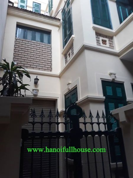 Three-bedroom house for rent, 70sqm x 3 floor, new furniture, 750$/month