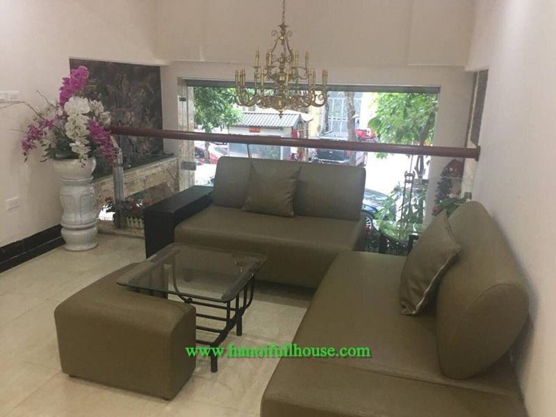 Cheap apartment in Ba Dinh for rent, cheap price 400$/month