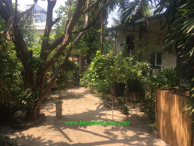 Beautiful house, four bedrooms, four bathrooms in Tay Ho for rent