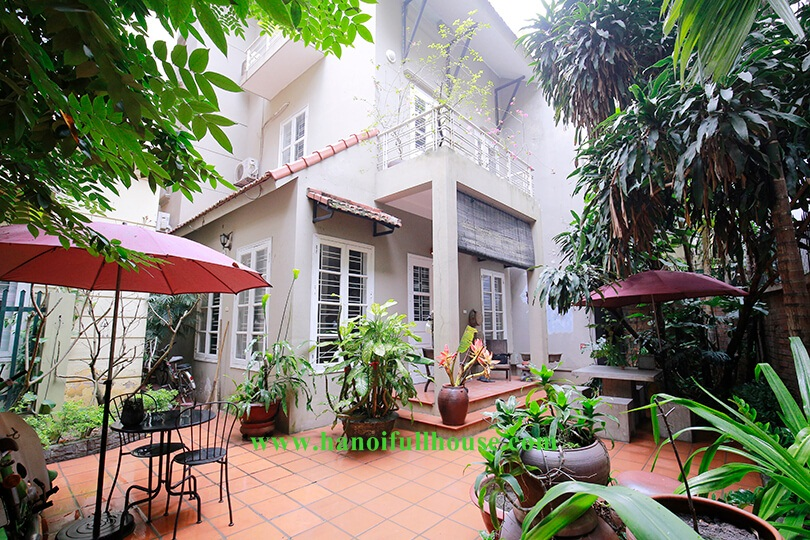 The wonderful garden house with 04 bedrooms, western style in Tu Hoa street, TayHo
