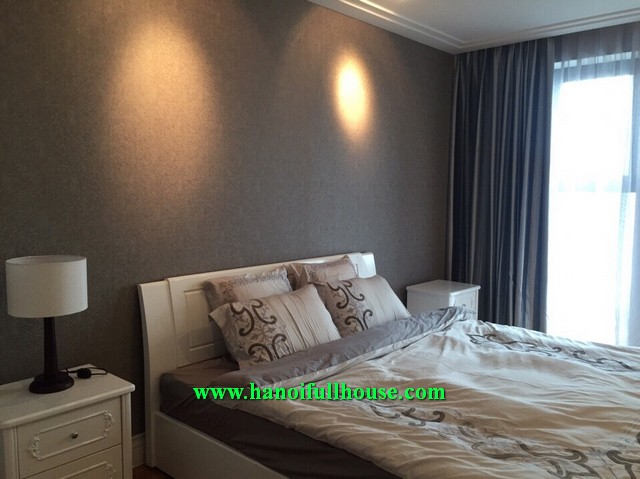 Hoang Thanh- 2 bedroom fully furnished apartment for lease