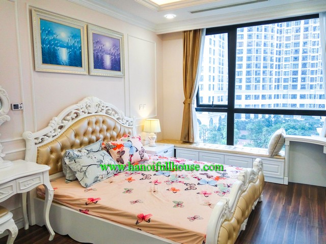 Royal City- 02 bedroom, modernly furnished, bright and beautiful view