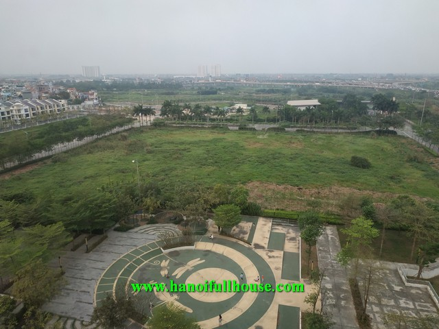 Nice and cheap apartment in Hanoi Garden City, 3 bedrooms, good view, cheap price for rent.