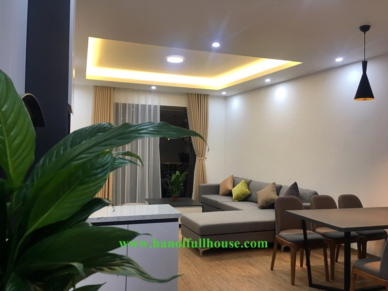 Brand new, modern and big 02 bedrooms apartment in Tay Ho, close to flower market
