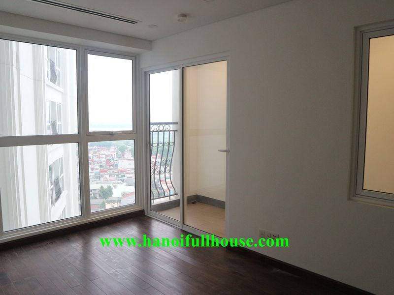 High-class apartment in Yen Phu street, 3 bedrooms, basic furniture for long-term lease