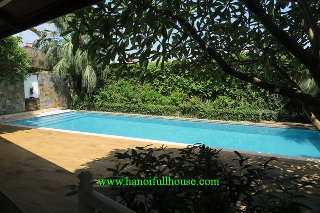 Dream garden villa in Long Bien dist for lease. 1350 m2, 7 bedrooms, huge garden, swimming pool