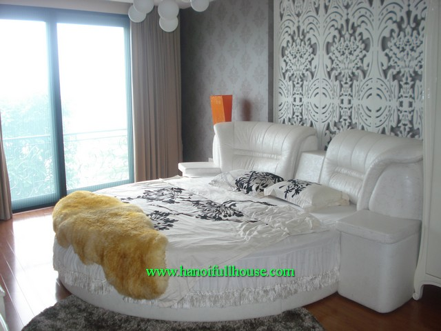 Luxury serviced apartment 3 bedrooms, surface Westlake, fully furnished for rent