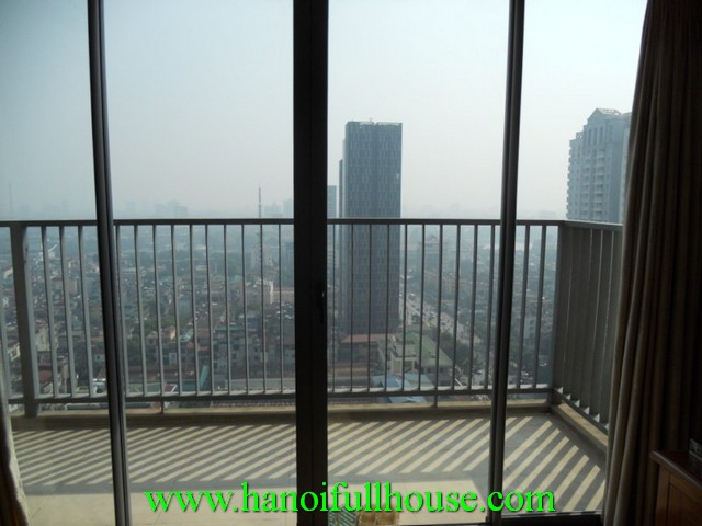Well designed apartment with 2 bedroom for rent in Lang Ha street, Dong Da dist, Ha Noi