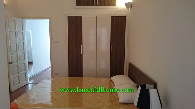 Furnished one bedroom apartment (no lift) in Hoan Kiem for rent, $450/month