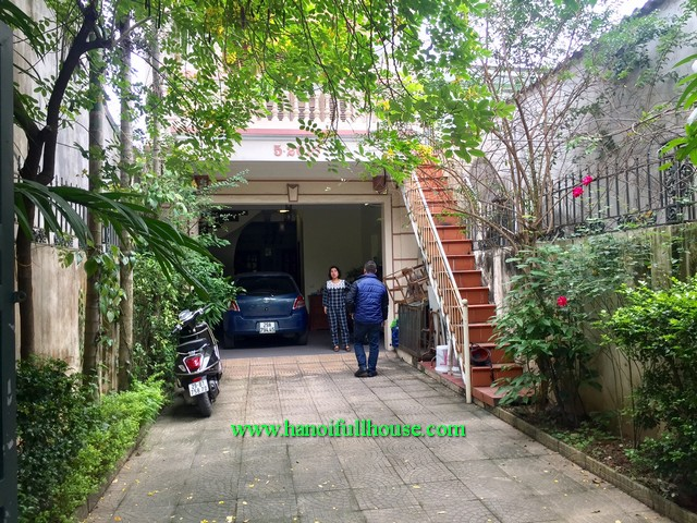 Find a modern house in Ngoc Thuy street for rent, furnished house with four bedroom