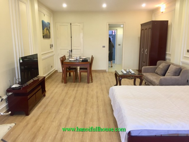 A good flat in Hanoi center. 1 bedroom with fully furnished and full service, lift, good security