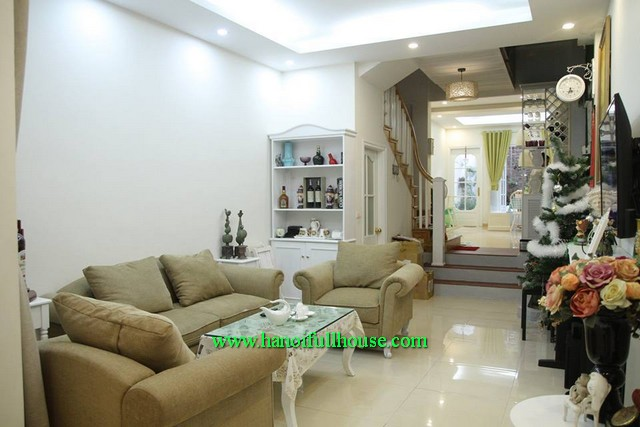 Price of house rental three bedroom furnished in Cau Giay, Ha Noi