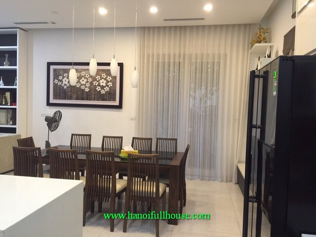 Nicely furnished & garden villa in Anh Dao, Vinhomes Riverside urban-Long Bien district