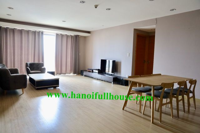 Good quality apartment with 3 bedrooms in Sky city 88 Lang Ha