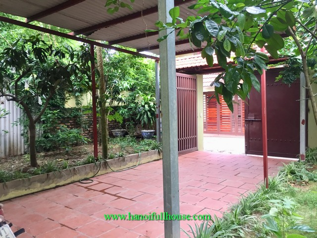 4 BR garden house to let in Tay Ho dist. This house is suitable for living, office