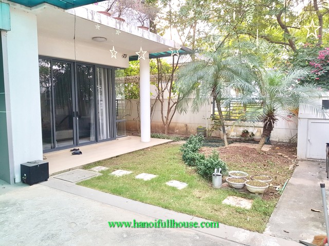Hanoi villas for rent. A corner villa in Gamuda urban, Hoang Mai district for foreigners to live