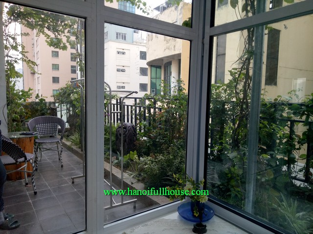 Balcony, lots of light serviced apartment with 1 bedroom, nicely furnished in Dong Da dist