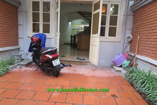 Nice house on Dang Thai Mai street, basic furniture for rent