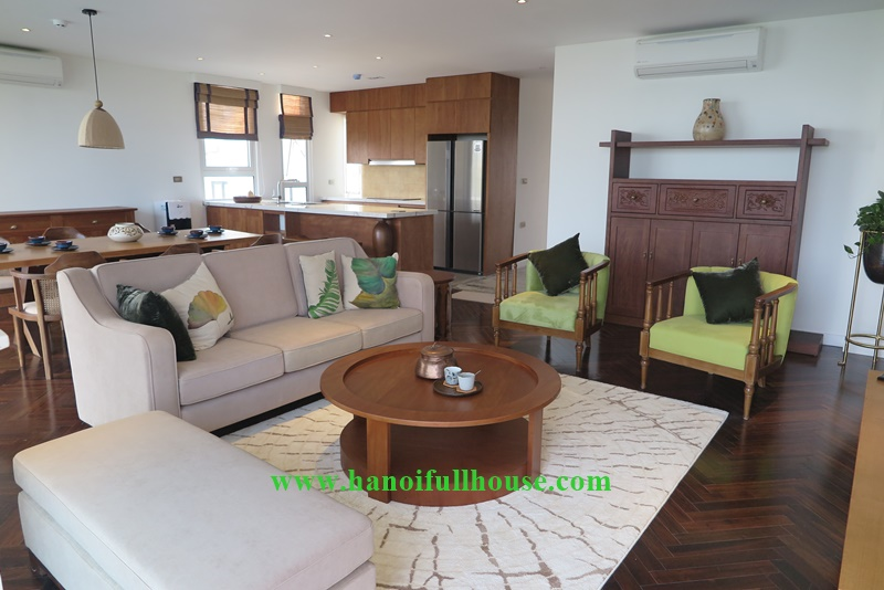 Apartment for foreigners family, 04 bedrooms, large balcony, westlake view in Hanoi, Vietnam