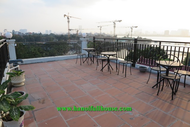 A cheap one-bedroom apartment in new building with great balcony and amazing terrace for rent.