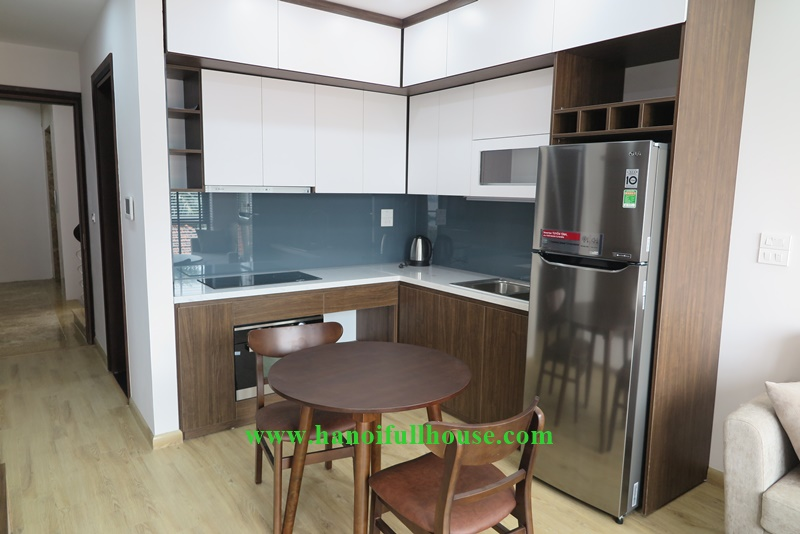 Brand new 01 bedroom flat in Tayho with a lots of light, balcony, lake view.